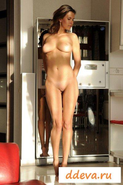 домохозяйка проснулась утром » Голые девушки и женщины - фото эротика