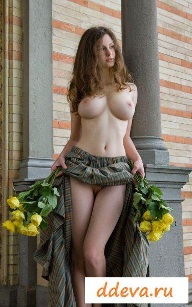 Садовница в особняке хозяина » Голые девушки и женщины - фото эротика