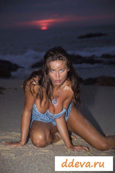 Русалка вылезла из воды » Голые девушки и женщины - фото эротика