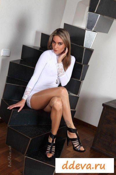 Секретарша в колготках