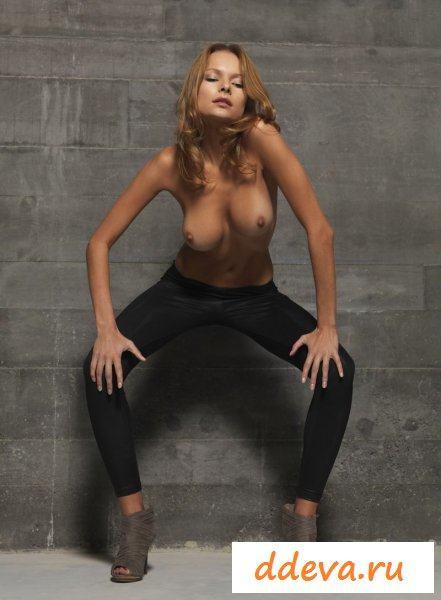 Танцовщица на каблуках