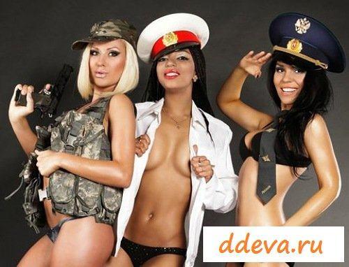 Девушки из дом два в форме военных